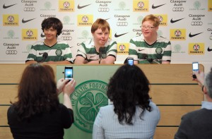 PIC: ALASDAIR MACLEOD CELTIC FOUNDATION WITH A VISIT FROM KIDS WITH DOWN SYNDROME AT THERE LENNOXTOWN TRAINING CAMP. GIOVANNI DI CIALLA(11), SEAN HARRIGAN(15) AND ALISTAIR HOWELLS(15).